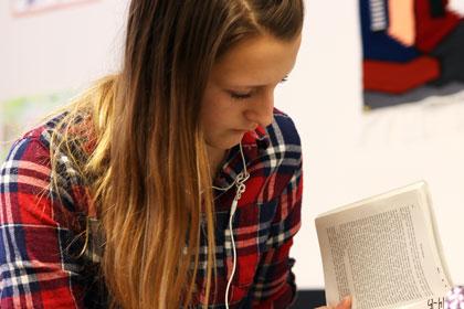 slhs-girl-reading-img_0106-420